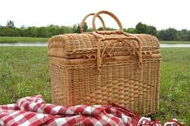 lunch box picnic basket.jpg
